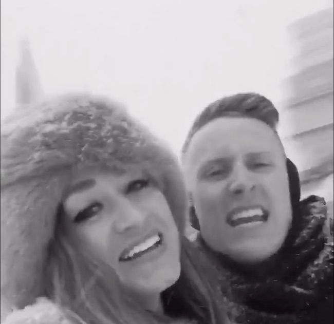 "These Two Washingtonians Spent Their Snow Day Lip-Syncing to Adele's ""Hello,"" and It's Pretty Fabulous"